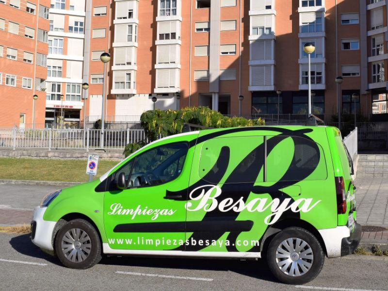 furgoneta-limpiezas-bessaya
